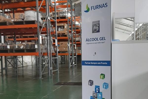 totem-para-alcool-em-gel-personalizado-totem-furnas18546802-8EC3-8B6D-D6C6-F5FBEDCB262C.jpg